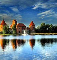 Trakai_Castle_2006_by_viesuliux